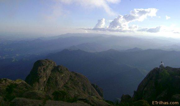 Admirando a paisagem - Pico dos Marins - Piquete - SP
