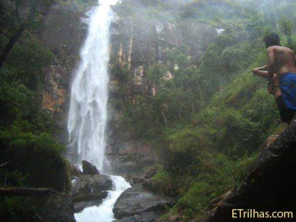 Adimirando Cachoeira da Fragaria - Itamonte - Minas Gerais