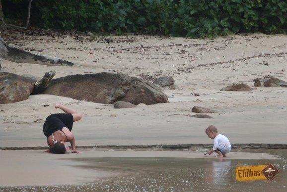 mae-e-filho-praia-do-cedro-ubatuba