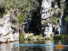 saltando-piscina-paraiso-perdido-mg