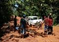 jeep_atolado_no_caminho_para_pico_da_neblina