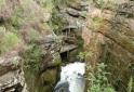 riacho-nas-escadaria-parque-da-barreira-itarare