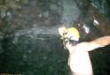 banho-cachoeira-dentro-da-caverna-ouro-grosso-petar