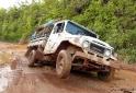 Jeep atolado na trilha para o Pico da Neblina