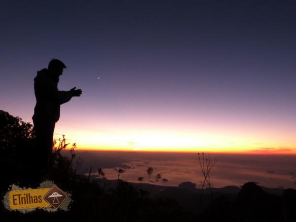 Adminrando nascer do sol Pedra da Macela - Cunha-SP